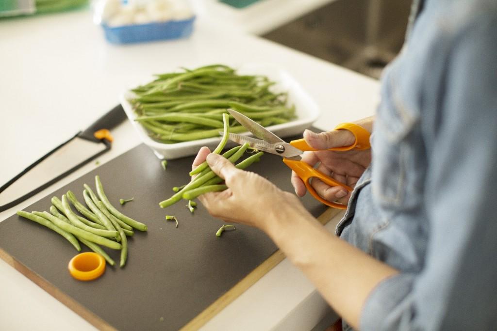 Ciseaux Cuisine Fiskars  Cliquez sur la vignette pour télécharger le visuel